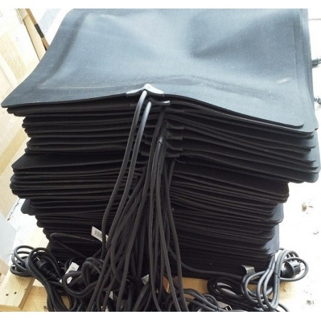 60x60cm, 129W, 230V, rubberen warmtemat 4mm dik met anti sliplaag voorzien van snoer met stekker en aan/uit schakelaar